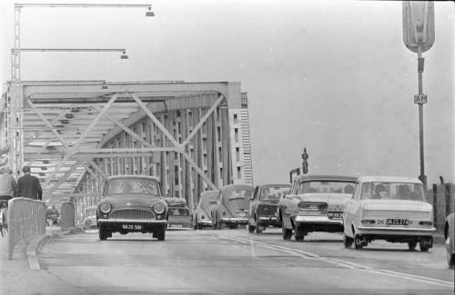 Lillebæltsbroen og en 58 Ford Custom 300